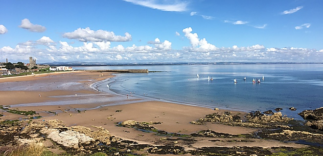 Walk to East Sands from St Andrews Holiday Park