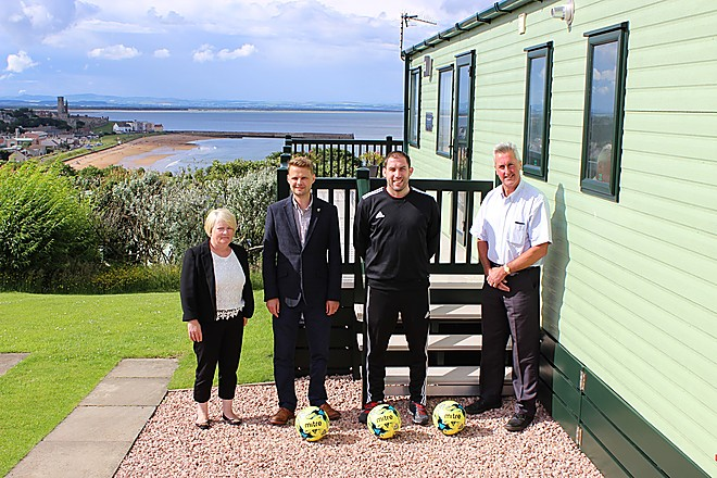 Abbeyford Leisure renews sponsorship deal with St Andrews United