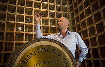 Add a Kingsbarns Distillery Tour to your holiday for £9 - kids go free